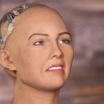 Harvinaisessa valokuvassa Kokoomuksen kansanedustajarobotti ilman peruukkia