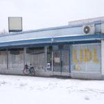 """Vuoden graafikolla 2013 ikkunanäyttely Tampereella: """"Live Laugh Lidl"""""""