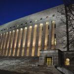 Väite: 90 prosenttia suomalaisista luottaa edelleen poliitikkoihin